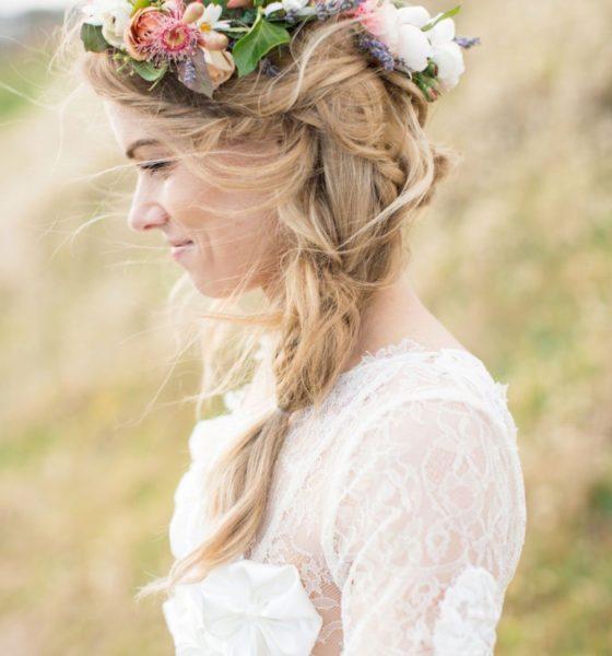 Fiori e ghirlande tra i capelli: ecco alcune ispirazioni