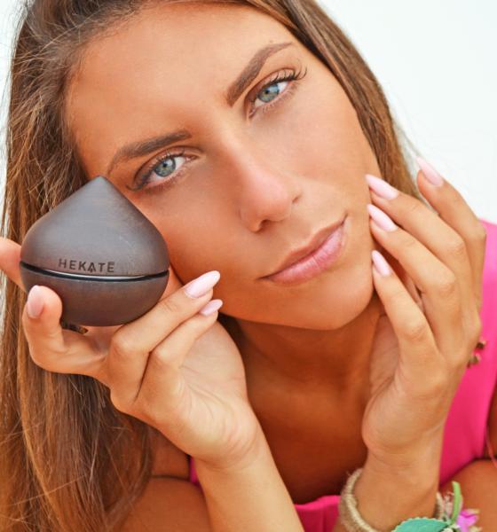Come curare la pelle dopo le vacanze con Hekatè Cosmetics