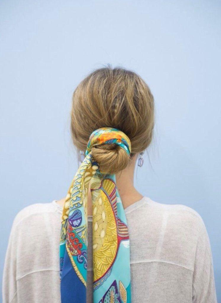foulard con chignon