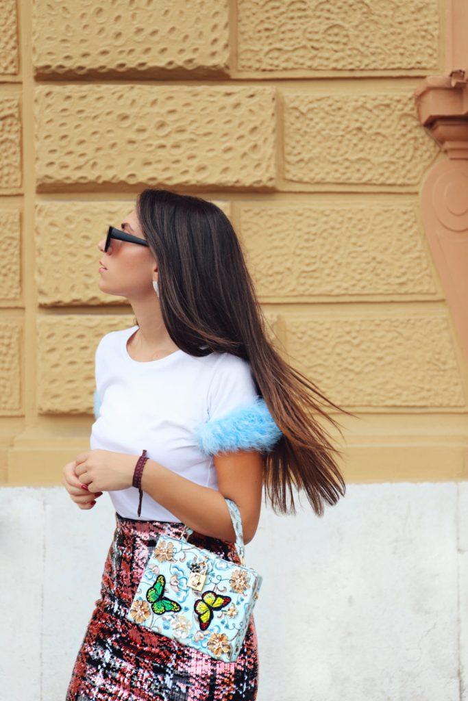 capelli lunghi lisci e sani