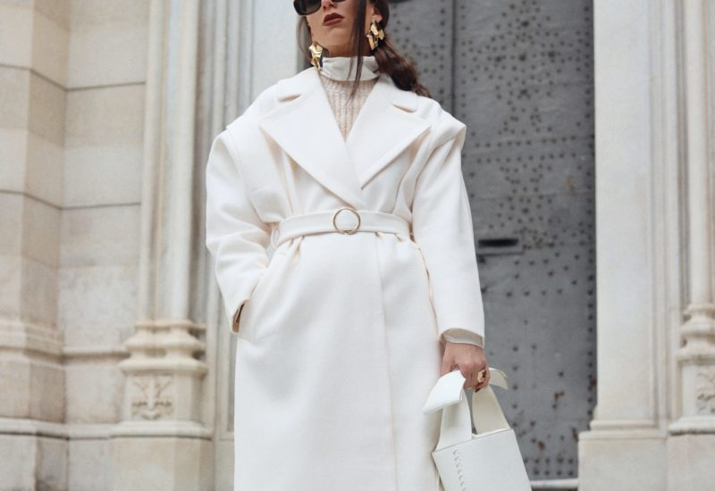 Total White Vintage Look